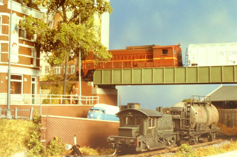 druk-treinverkeer-bij-viaduct
